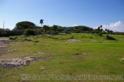 Outer wall area of the Tulum Mayan Ruins site.jpg