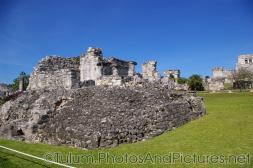 Tulum Mayan Ruin with temple in the background.jpg